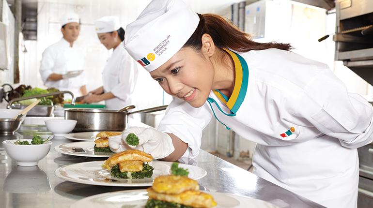 เสริมทัพบุคลากรด้านท่องเที่ยวและบริการ Regent Cha-Am Hospitality School 'เรียนจบไว หางานง่าย รายได้ดี'