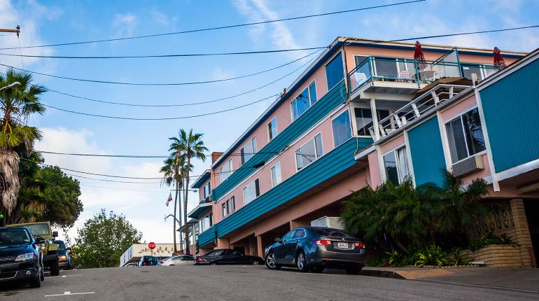 โรงแรมเล็ก… มีโอกาสถูกกฎหมาย