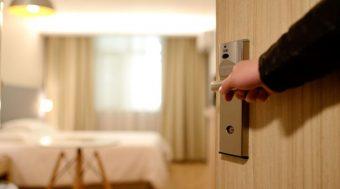 """""""โรงแรม"""" ดิ้นปรับตัว วิกฤตยาว ! หันปล่อยเช่ารายเดือน"""