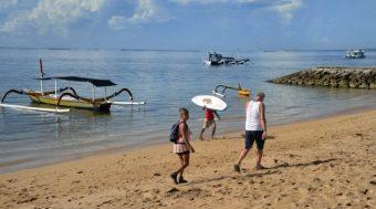 """อินโดนิเซีย จ่อ """"เปิดเกาะบาหลี"""" ปลายเดือน ก.ค. กระตุ้นท่องเที่ยว"""